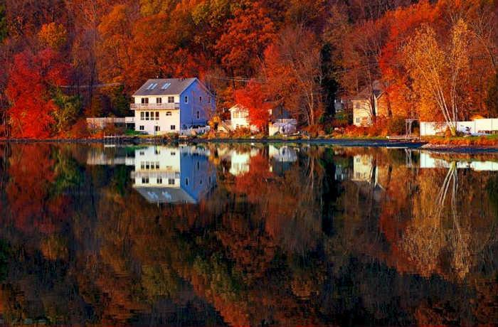 lake like a mirror